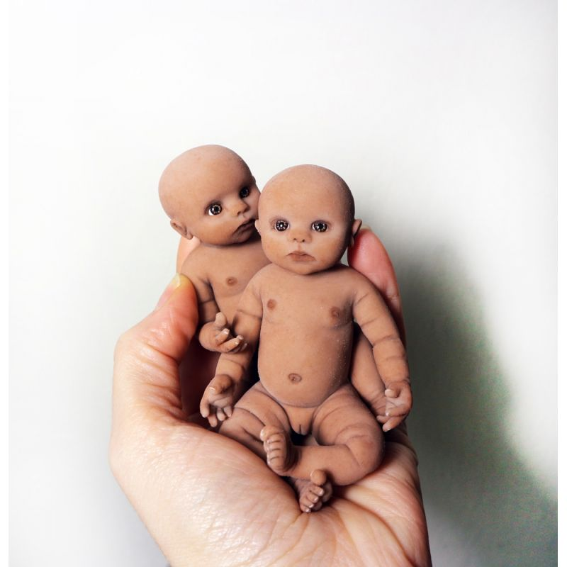 "Solid silicone miniature ethnic baby Victor 11,5 cm (4,6"")"